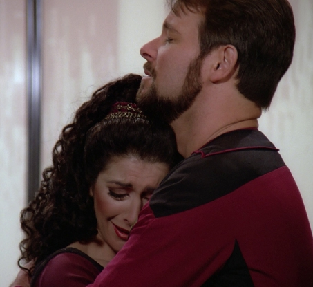 Troi_and_Riker_say_farewell